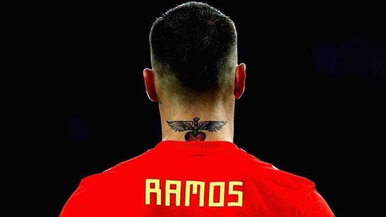 """Un periodista define a Ramos como """"el enterrador de Salah"""""""