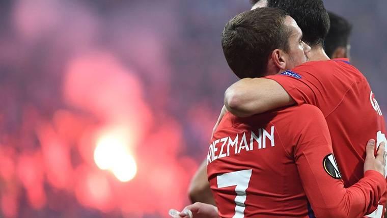 """Griezmann: """"Si estoy en el Atlético es gracias a Godín"""""""