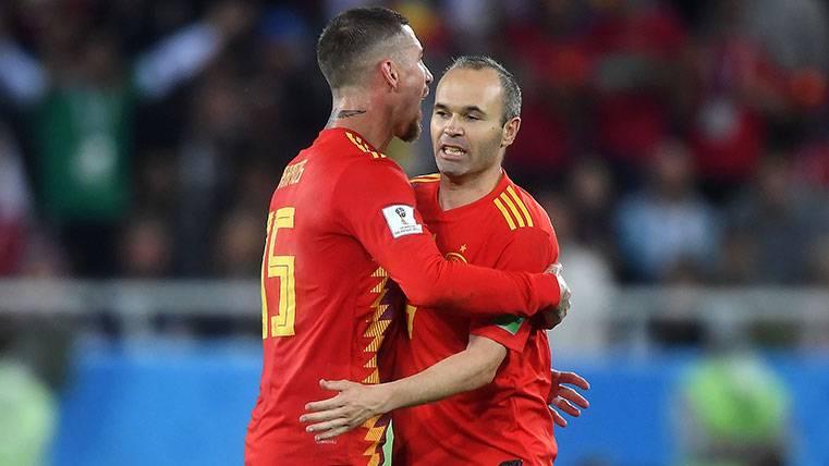 Sergio Ramos se acordó de Andrés Iniesta en la despedida del Mundial de Rusia