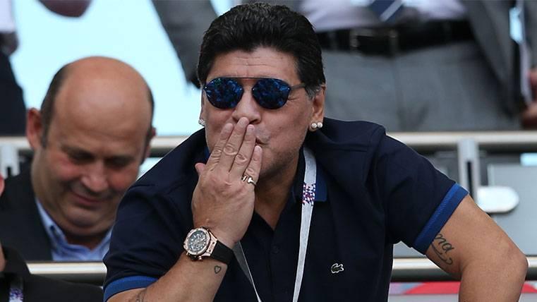 Maradona atiza a la selección española acordándose de Xavi Hernández