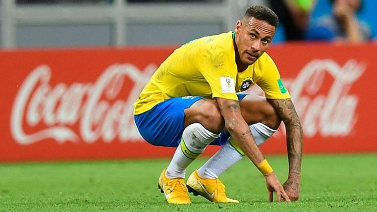 Mensaje incendiario de Guardado a Neymar tras la eliminación de Brasil del Mundial