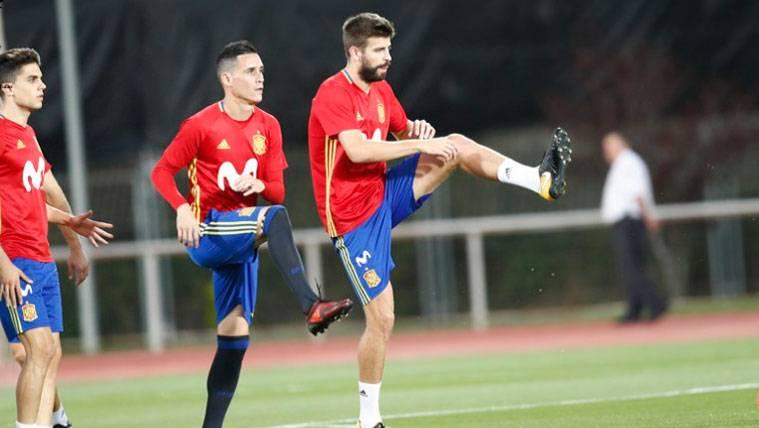 Gerard Piqué en un entrenamiento de la selección española