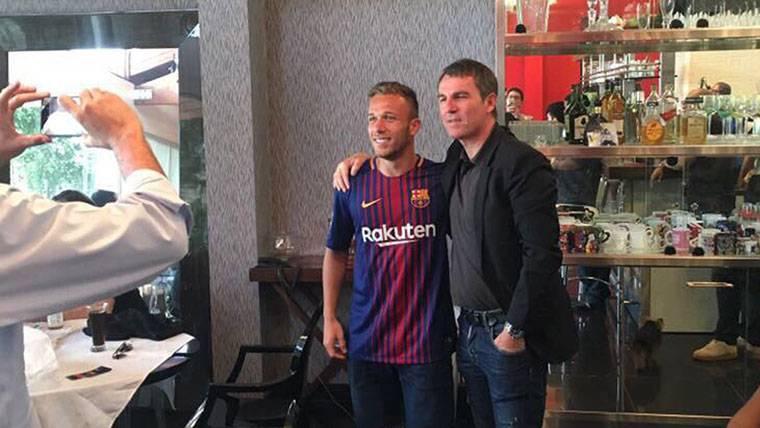 Tres dorsales libres para Arthur Melo en el FC Barcelona