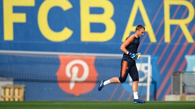 Jasper Cillessen puede dejar el Barcelona por 30 millones