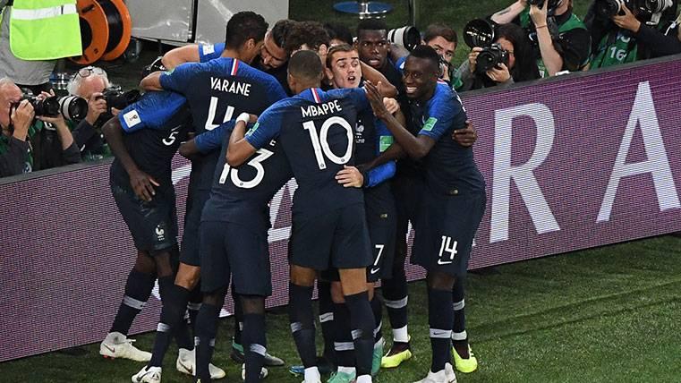Un gol de Samuel Umtiti tumba a Bélgica y Francia es finalista del Mundial (1-0)