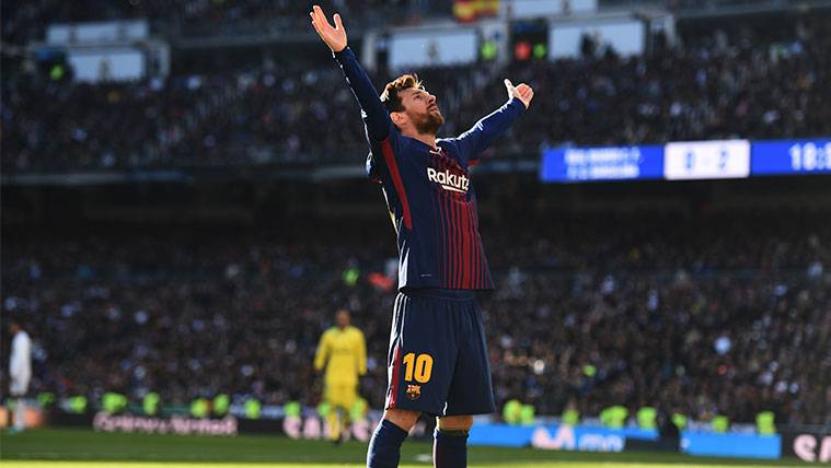 Leo Messi celebra un gol del FC Barcelona en el Santiago Bernabéu