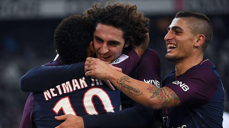 Los jugadores del PSG celebran un gol en la Ligue 1