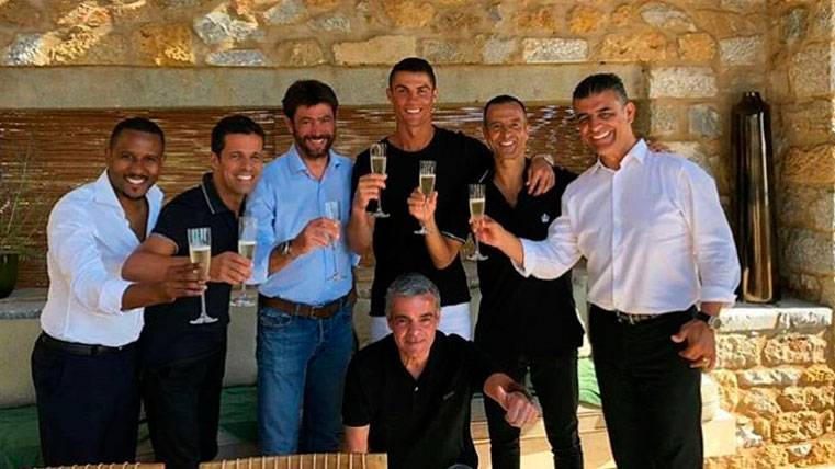 Cristiano Ronaldo celebrando su fichaje por la Juventus