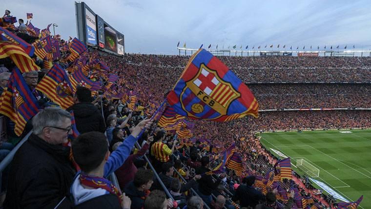 La afición azulgrana, durante un partido del FC Barcelona en el Camp Nou