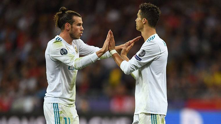 Gareth Bale y Cristiano Ronaldo celebran un gol del Real Madrid