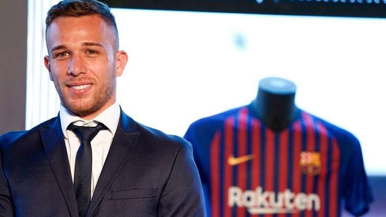 """Arthur: """"Mi sueño es jugar con Messi y ganar títulos en el Barça"""""""