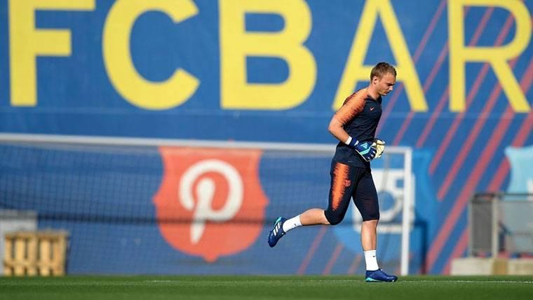 Cillessen, pendiente de una carambola para dejar el Barça