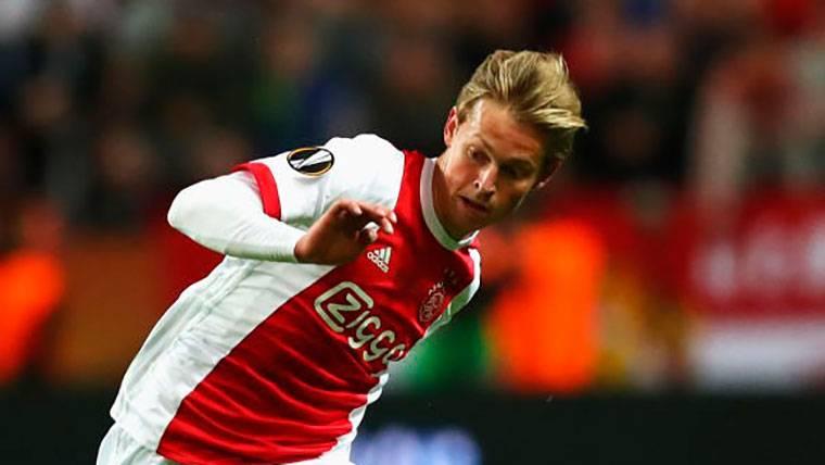 La postura oficial del Ajax respecto al fichaje de De Jong por el Barça