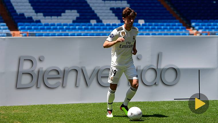 El recuerdo a Dembélé en la nerviosa presentación de Odriozola con el Real Madrid