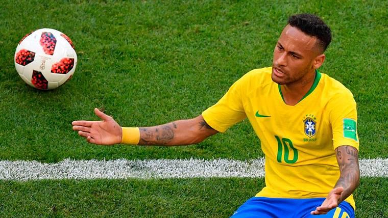 Neymar se harta de las críticas por sus simulaciones y responde