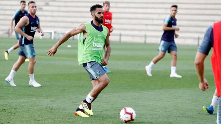 OFICIAL: El FC Barcelona hace oficial la cesión de Douglas Pereira al Sivasspor