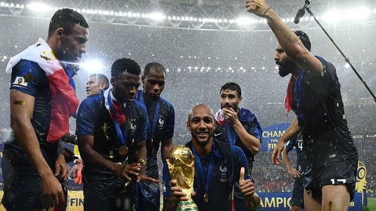 Steven N'Zonzi gana enteros como último refuerzo del Barça