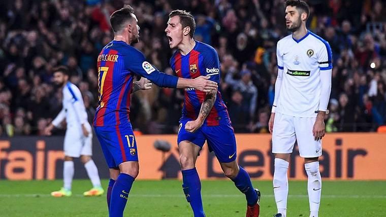 Digne, Alcácer y Aleix Vidal no jugaron por distintas razones