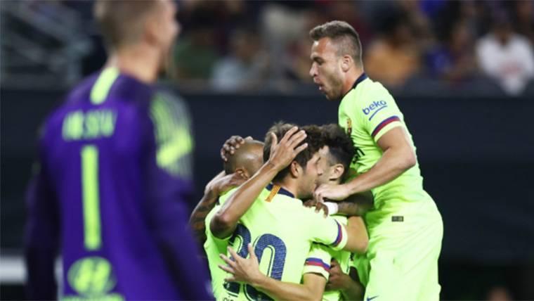 Arthur Melo, celebrando uno de los goles del FC Barcelona a la Roma