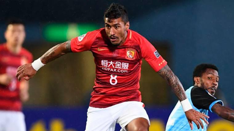 Paulinho sigue brillando y anota dos goles en la victoria del Guangzhou