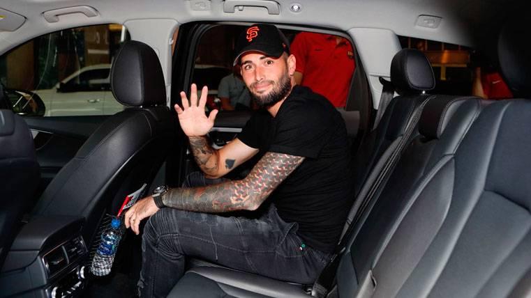 El Barça confirma que Aleix Vidal vuelve a España para cerrar su salida del club