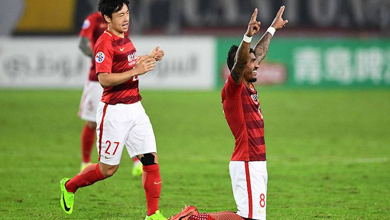 Paulinho explota con el Guangzhou: Cinco goles en cuatro partidos