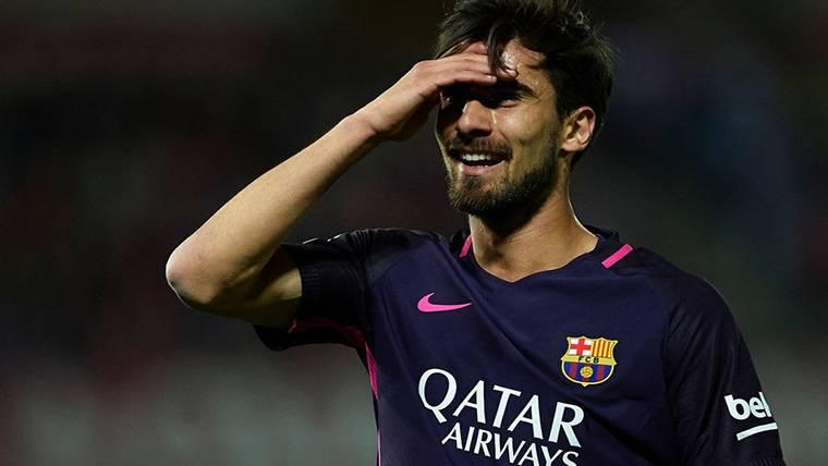 Tres posibles opciones para que André Gomes deje el Barça