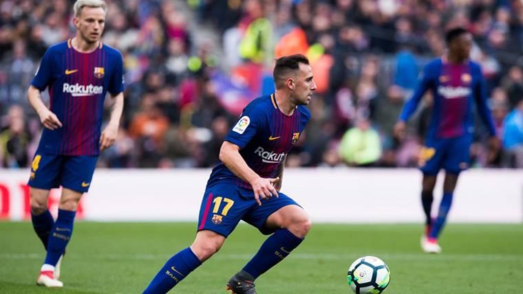 Paco Alcácer, durante un compromiso disputado con el FC Barcelona