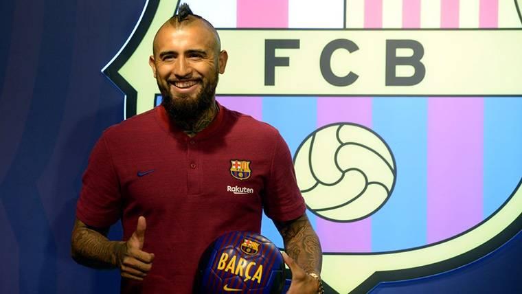 Arturo Vidal, presentado como nuevo jugador del Barcelona