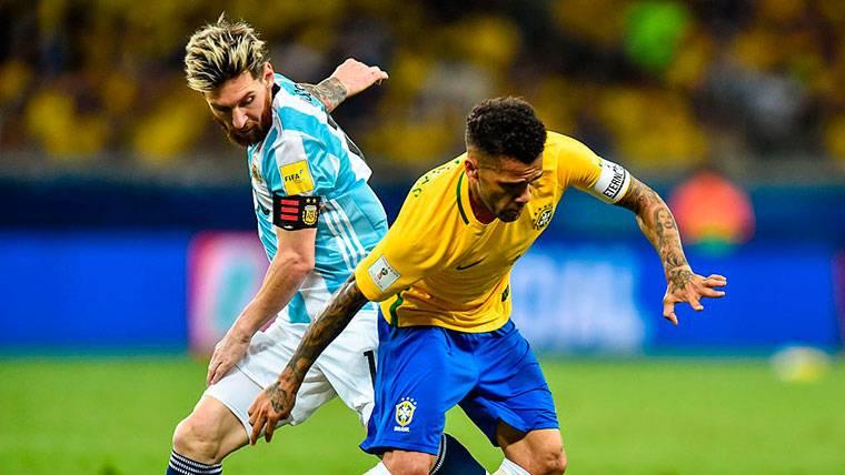El 'dardo' de Dani Alves a Leo Messi tras ganar la Supercopa