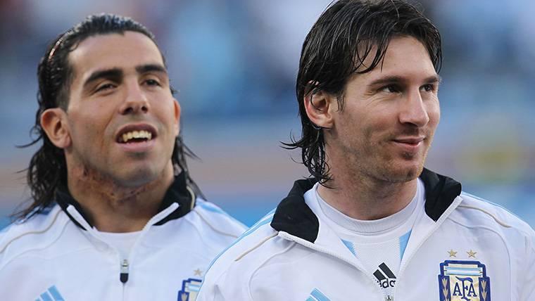 Tévez-Messi: Cálido reencuentro en el Barça-Boca del Gamper