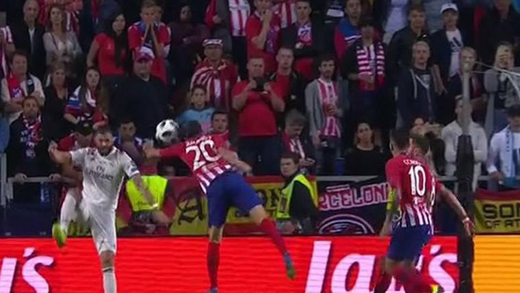 Doblete de Diego Costa para enmendar el penalti ridículo de Juanfran Torres