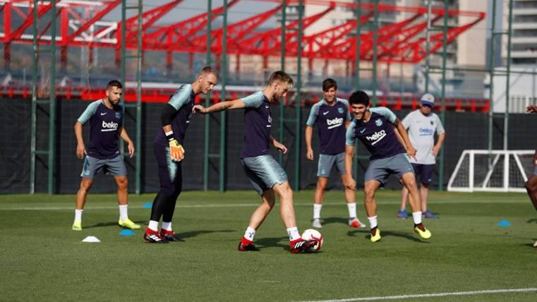 La vía alternativa del FC Barcelona para que Carles Aleñá pueda coger ritmo
