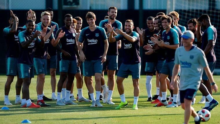 El FC Barcelona, entrenando en la Ciutat Esportiva
