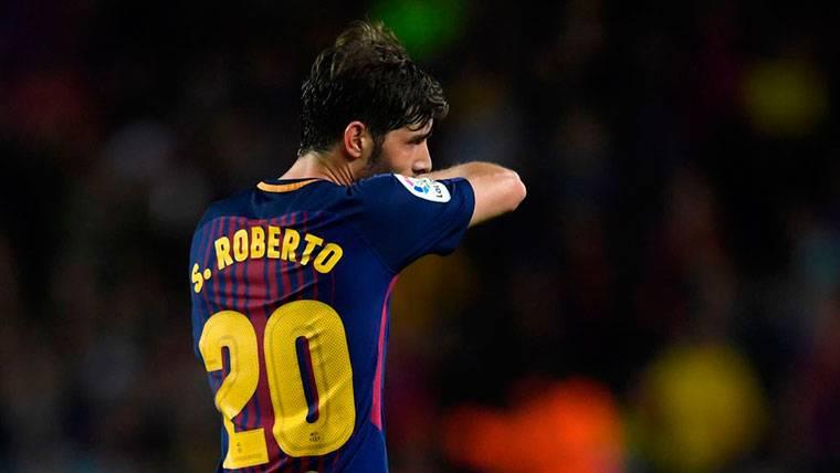 ¡Sergi Roberto, al centro del campo dejando fuera a Coutinho!