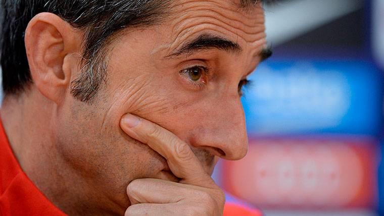 Ernesto Valverde podría quedarse sin cuarto central