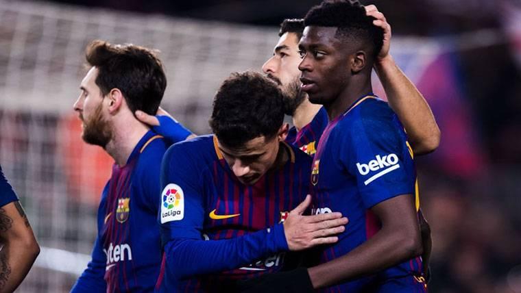 Ousmane Dembélé, celebrando un gol con sus compañeros en el Barça