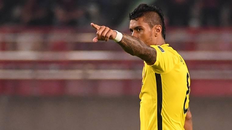 Paulinho continúa su brutal racha con el Guangzhou y no se olvida del Barça