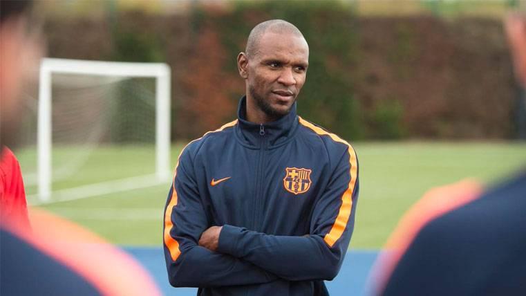Éric Abidal en un entrenamiento del FC Barcelona