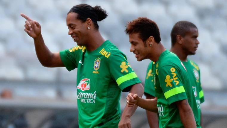 Ronaldinho opina sobre el futuro de Neymar y admite que le gustaría que volviera al Barça