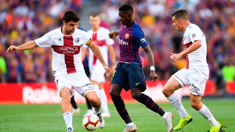 Álex Gallar recortó distancias para un Huesca peleón en el Camp Nou