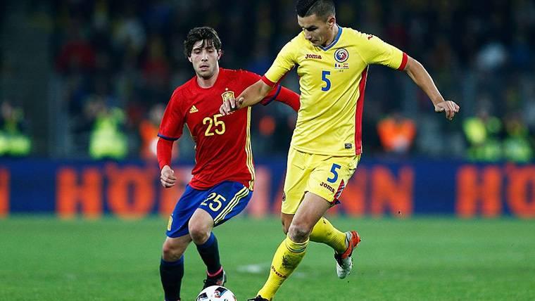 Sergi Roberto y la extraña situación de los jugadores del Barça en 'La Roja'