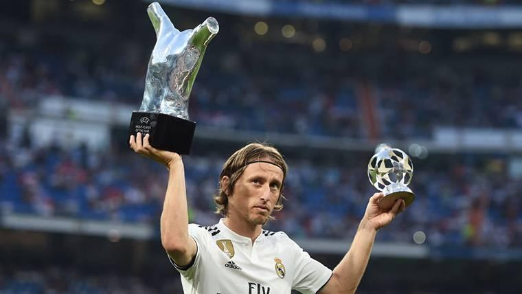 Modric desvela lo que le dijo Cristiano tras 'quitarle' el premio UEFA a Mejor Jugador