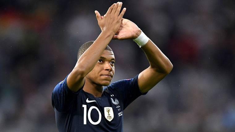 La Francia de Umtiti y Mbappé sigue de fiesta tras el Mundial