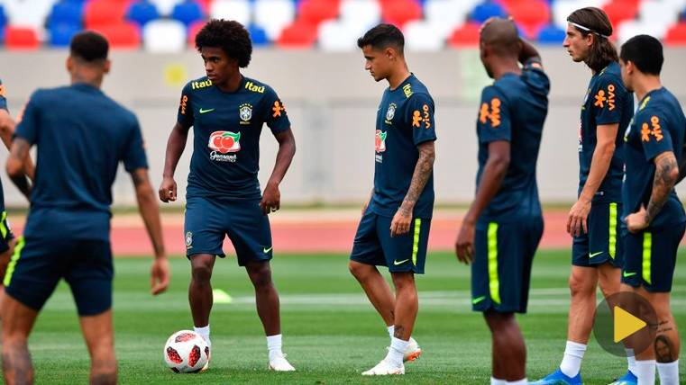El tremendo caño de Philippe Coutinho a Filipe Luis que hizo enloquecer a Neymar