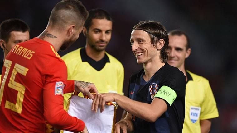 Modric ensucia la campaña que le hacen para el FIFA The Best