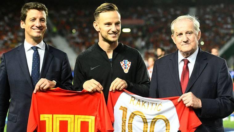 Homenaje agridulce para Rakitic por sus 100 partidos con Croacia