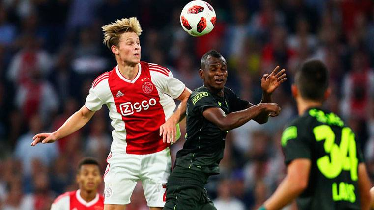 Frenkie de Jong quiere jugar en el Barça