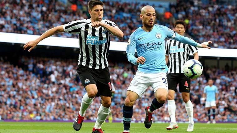 David Silva, durante un compromiso con el Manchester City