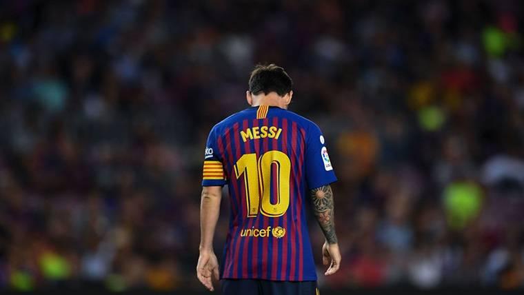 Leo Messi, cabizbajo durante un partido de LaLiga Santander